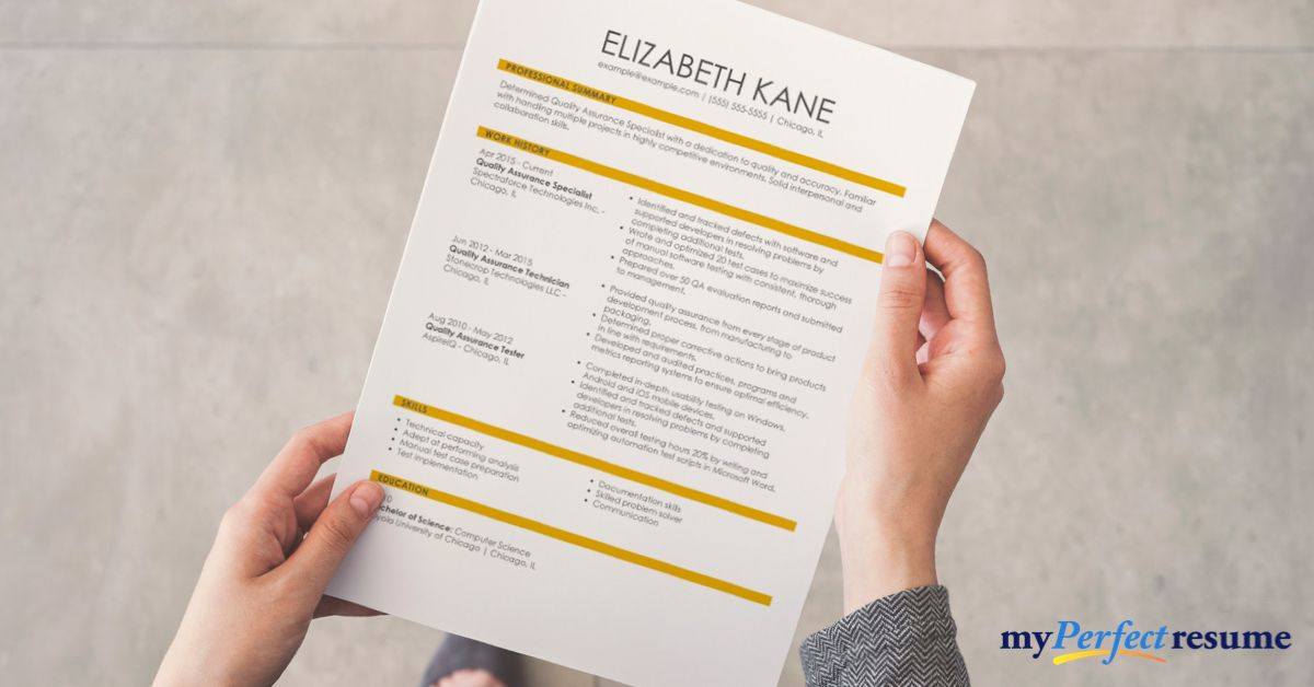 Choose From A Variety Of Resume Styles From Classic Simple To Creative Resumes Paired With Expert Tips Creating A Winnin In 2020 Resume Builder Cv Examples Resume