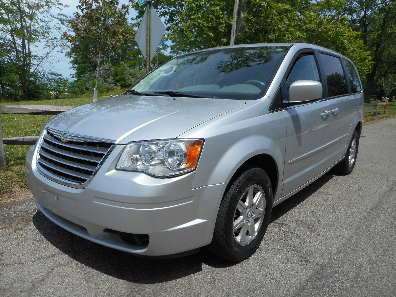 Car Brand Auctioned Chrysler Town Country No Reserve Auction