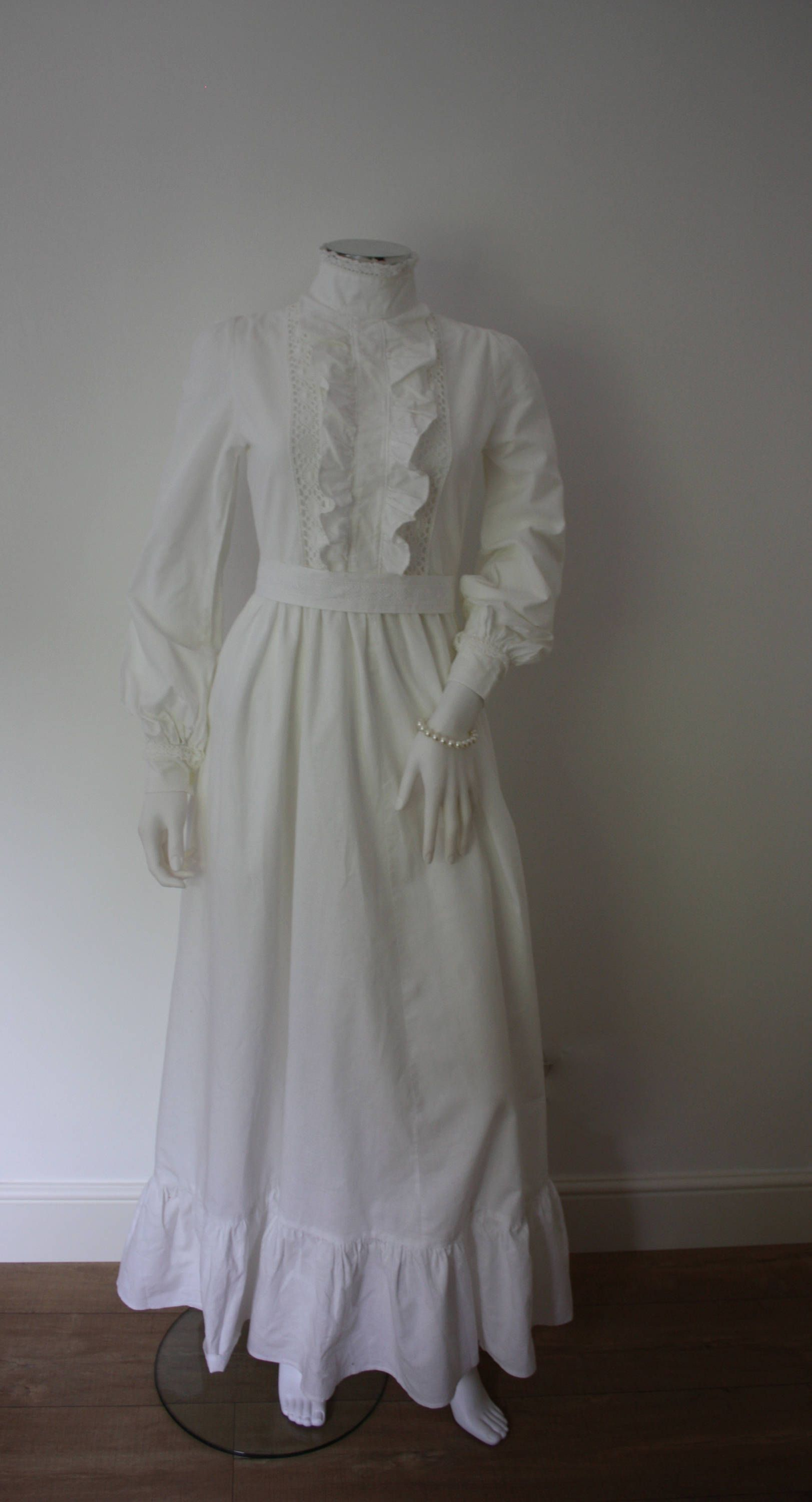 LAURA ASHLEY wedding dress , VICTORIAN style vintage