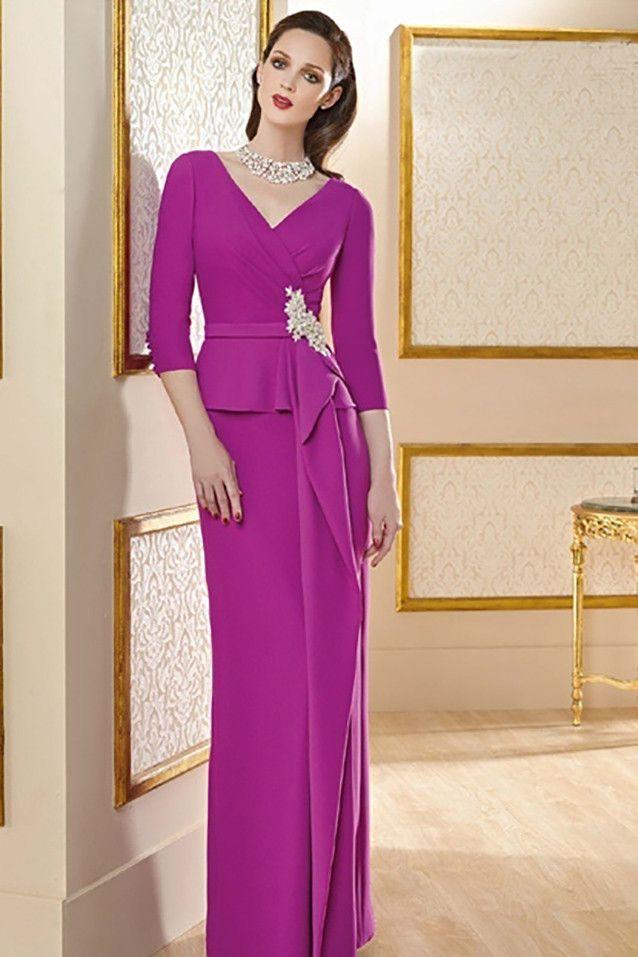 2b85ce56c Vestido de madrina largo color fucsia realizado en crep