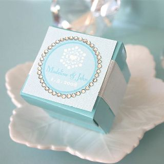 custom boxes are perfect for giveaways or wedding favors