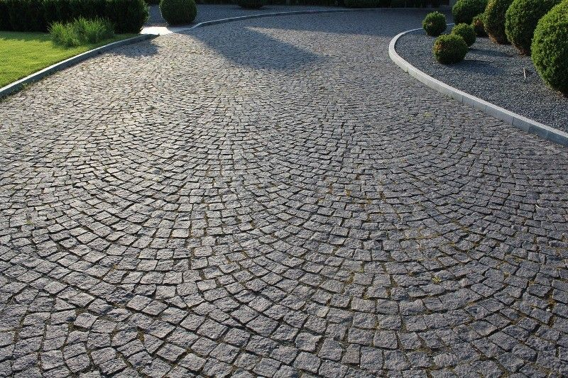 schwede pflastersteine aus polen granit aus polen bauernhaus pinterest driveways. Black Bedroom Furniture Sets. Home Design Ideas