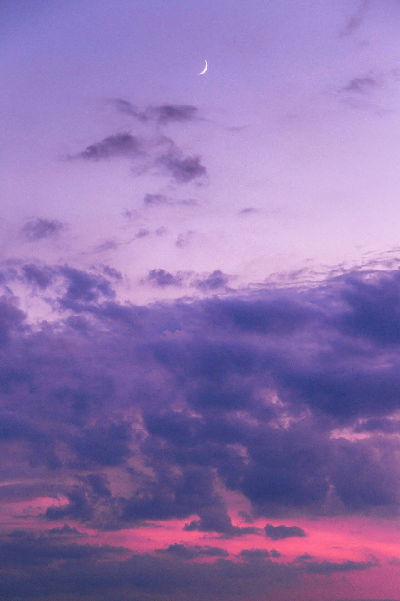 Pin By Giuliafaraone21 On Ciel Nuages Sky Clouds Purple Wallpaper Iphone Purple Wallpaper Aesthetic Wallpapers