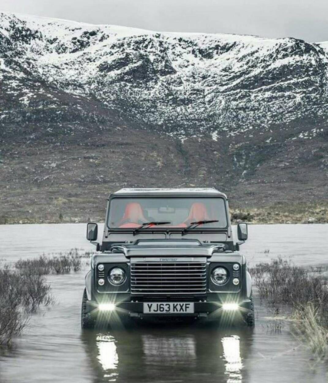#landrover  #defender !Tira onda ou não? Ham... kkkkkkk... Pqp... belíssima imagem! ... #broffroad #bfgoodrich #offroading #muddy #v8 #4x4 #4wd #dodge #landroverdefender #f150 #raptor #kingsuspension #fox #black #fosco #toyotires #maxxis #trucks #offroad by broffroad #landrover  #defender !Tira onda ou não? Ham... kkkkkkk... Pqp... belíssima imagem! ... #broffroad #bfgoodrich #offroading #muddy #v8 #4x4 #4wd #dodge #landroverdefender #f150 #raptor #kingsuspension #fox #black #fosco…