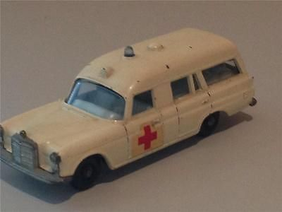 "Matchbox Lesney Regular Wheels MB 3c Mercedes Benz ""Binz"" Ambulance  VGC - http://www.matchbox-lesney.com/42153"