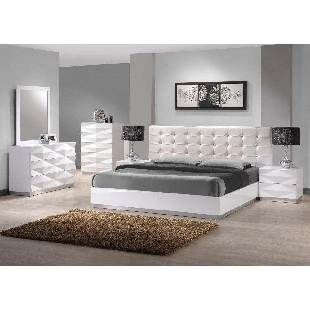 Verona Unique 3D Surfaces Bedroom Set In White By J&M