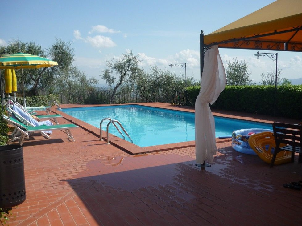 in vendita #rusticoToscano  con piscina e terreno con ulivi #simonettacecchiniimmobiliare