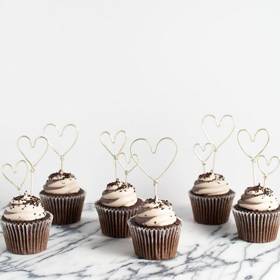 Easy and adorable Valentine's Day cupcake toppers!