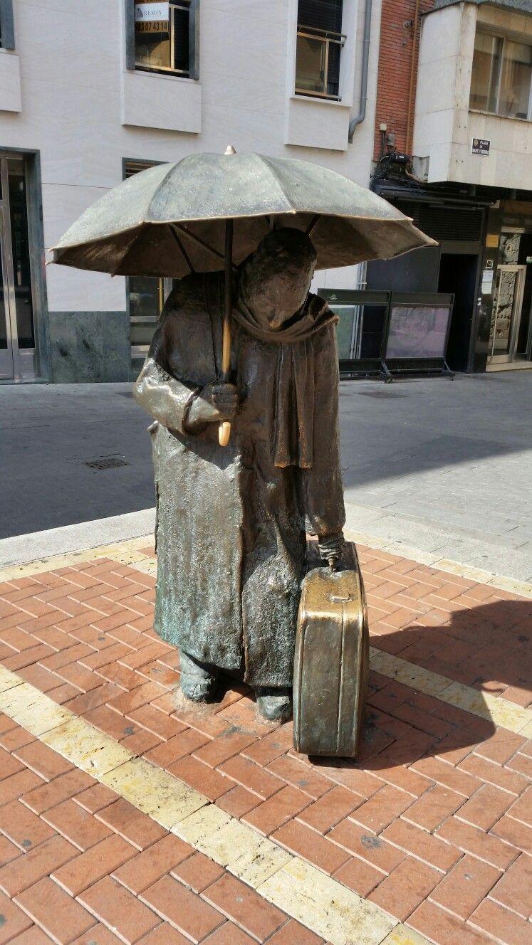 El Eterno Viajero En Valladolid Spain Bronze And The City  # Muebles Van Gogh Valladolid