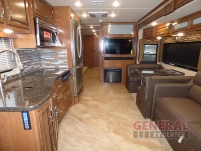 New 2017 Fleetwood Rv Bounder 36h Motor Home Class A At General Rv