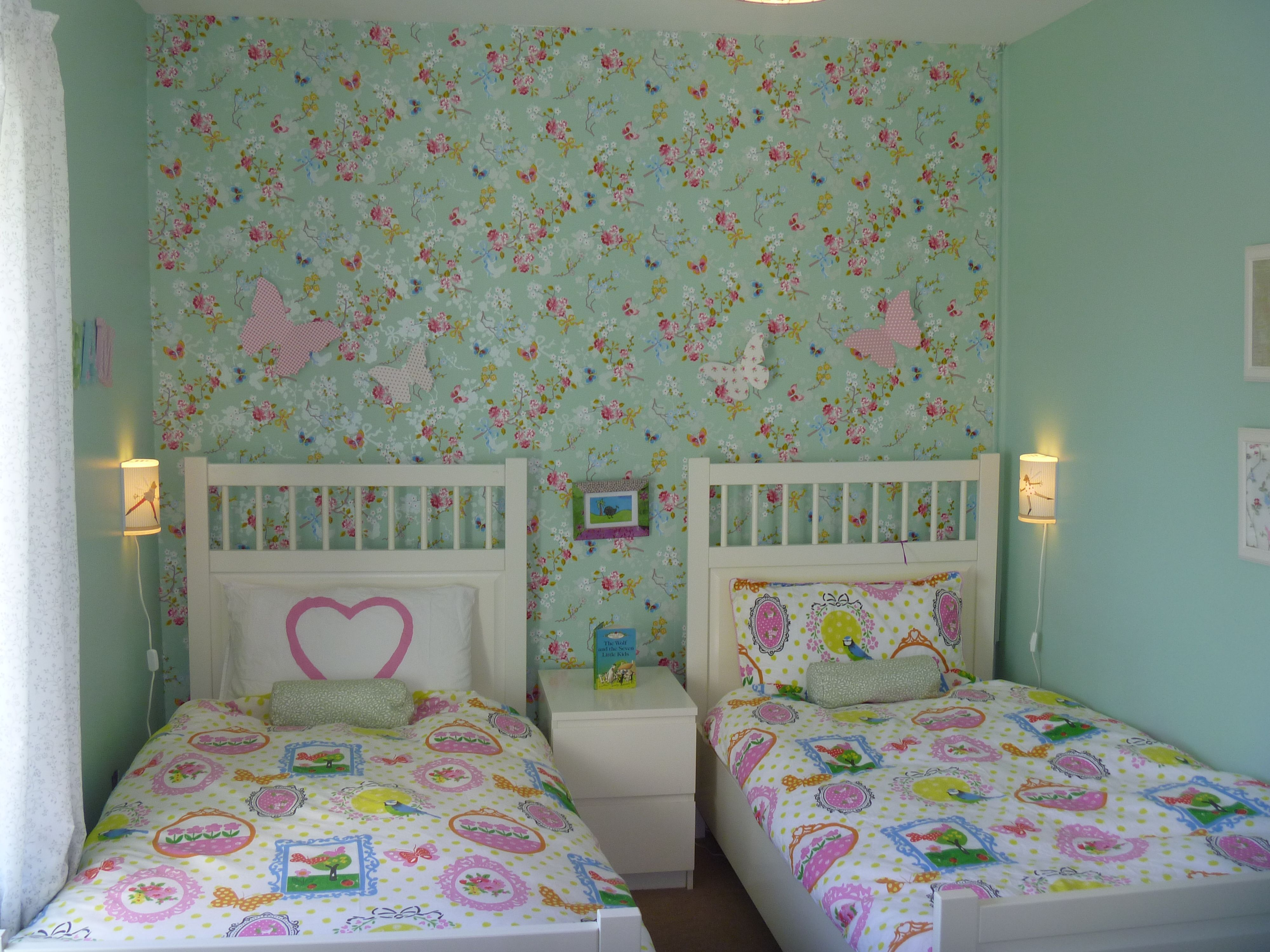 Sisters Sharing A Small Bedroom Needed It To Be Pretty And