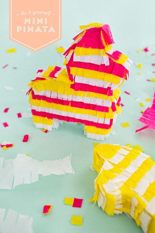 DIY Mini Piñatas | like-the-cheese.com