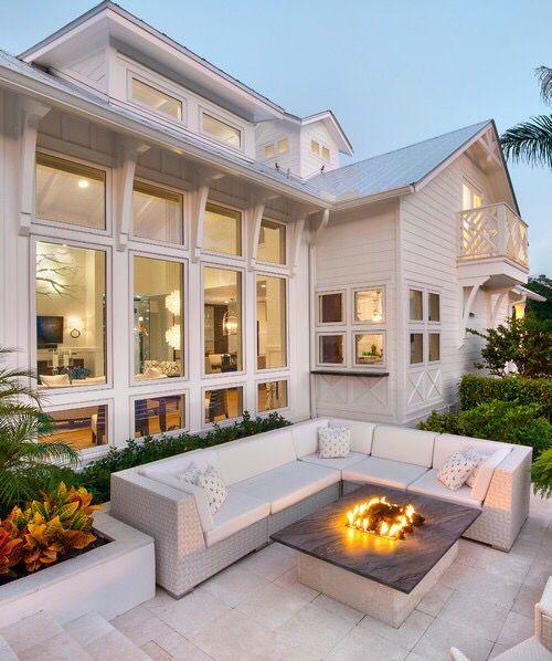 Cozy outdoor patio - love this