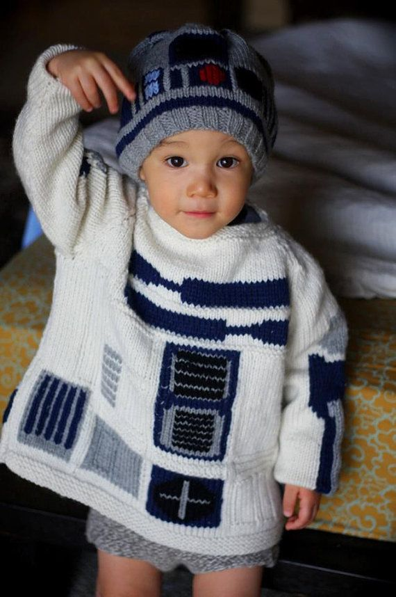 R2D2. Maybe my Grandy will make this for me. V neck style :):):) and ...