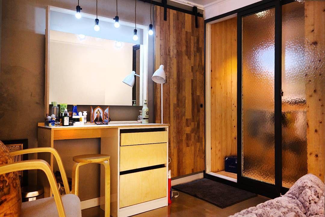 우리 신혼집 침실공간 자작나무로 화장대제작 히노끼로 발코니 공간제작 인천아파트인테리어 노출천정공사 노출콘크리트 하우스인테리어 빈티지카페 화장대diy 자작나무침대 노출바닥 Home Decor Furniture Room Divider