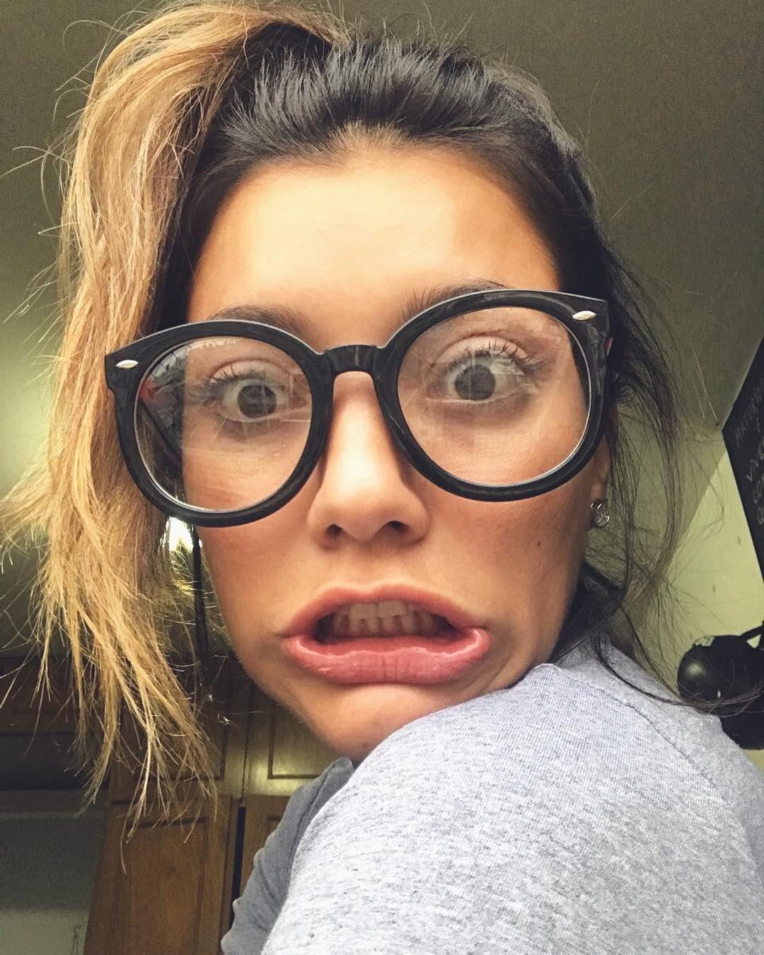 """43.1 mil curtidas, 530 comentários - Gabi Prado ( pradogabrielle) no  Instagram  """"Quando vc descobre que seu pai assistiu o primeiro episódio do  programa. 0ef8e825e0"""