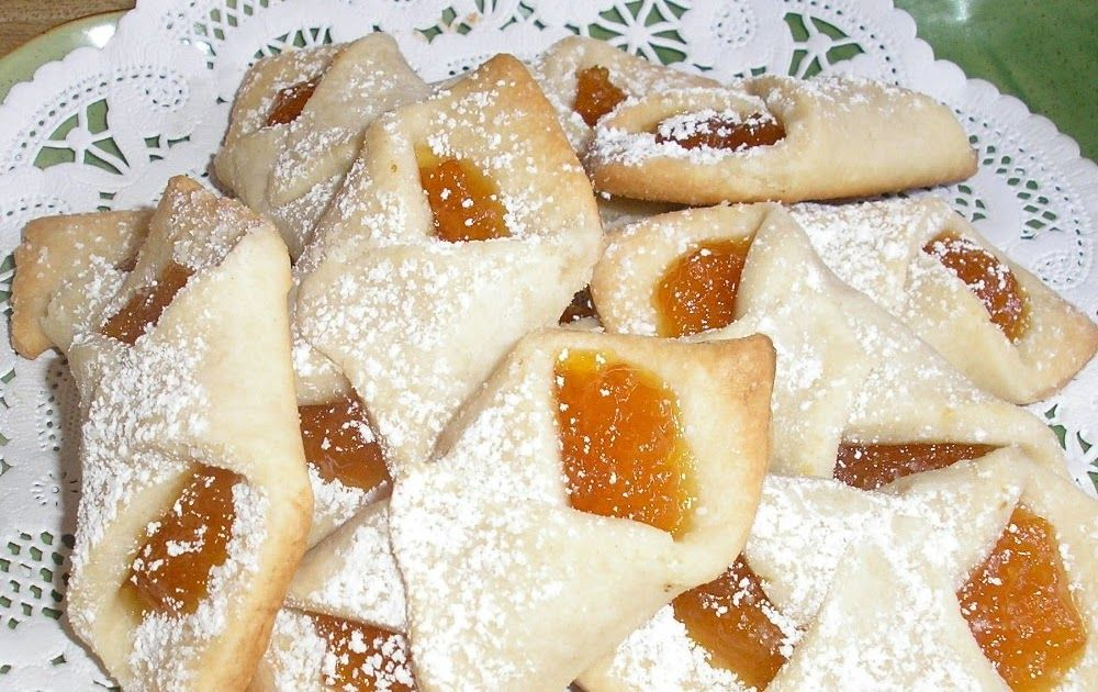 Kiflis Pronounced Kee Flees Are A Traditional Hungarian Cookie Pastry Not Only Sweet To The Taste But Their Meaning Kolache Recipe Kiffles Recipe Recipes