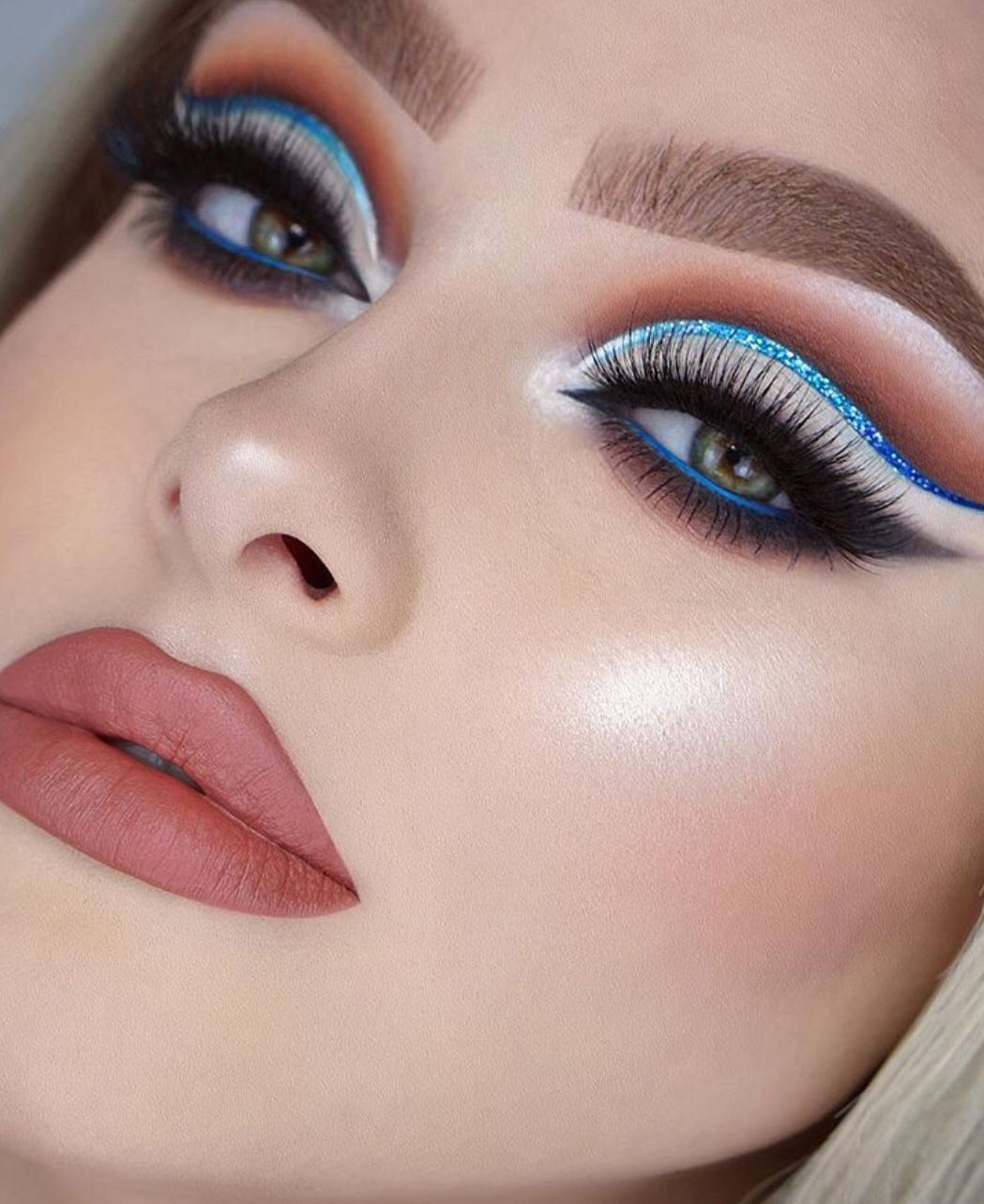 Pin by rashmi_iyr on Beauty in 2019 Prom makeup looks