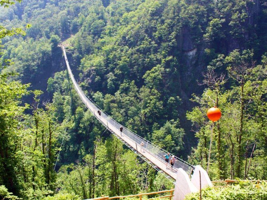 Curzutt e il ponte tibetano Carasc