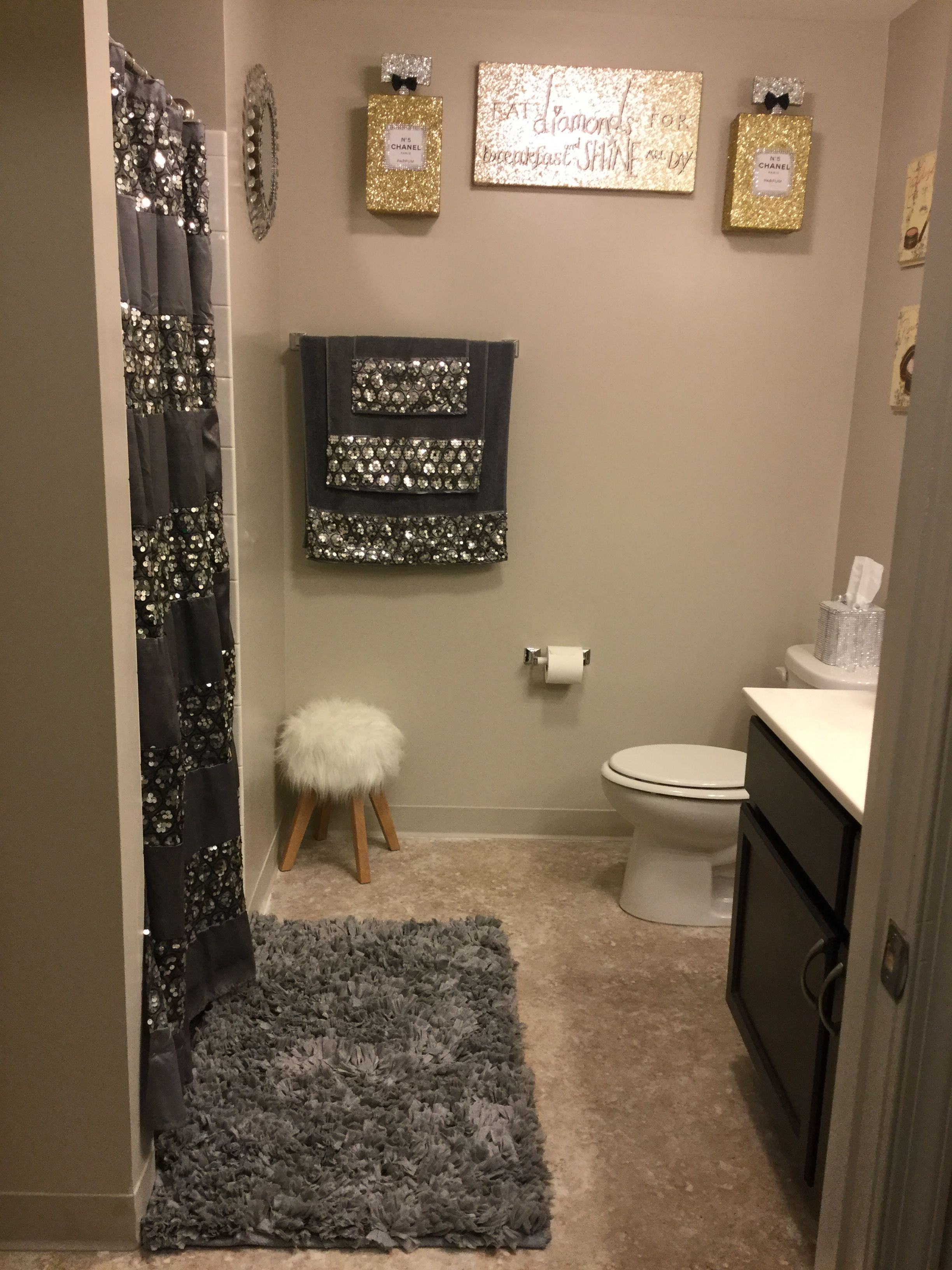 I Love The Way My Bathroom Turned Out I M Almost Done Decorating