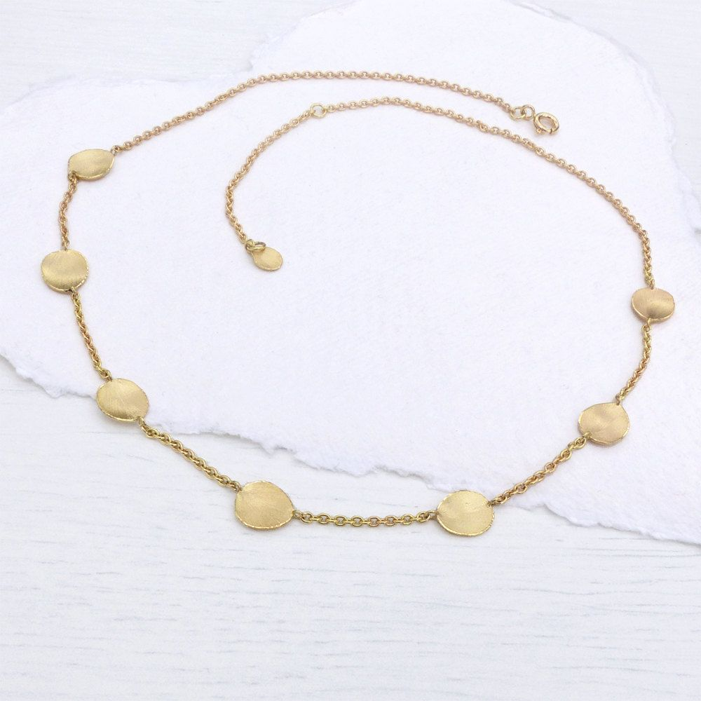 Flower petals necklace in k yellow gold by lilianashjewellery