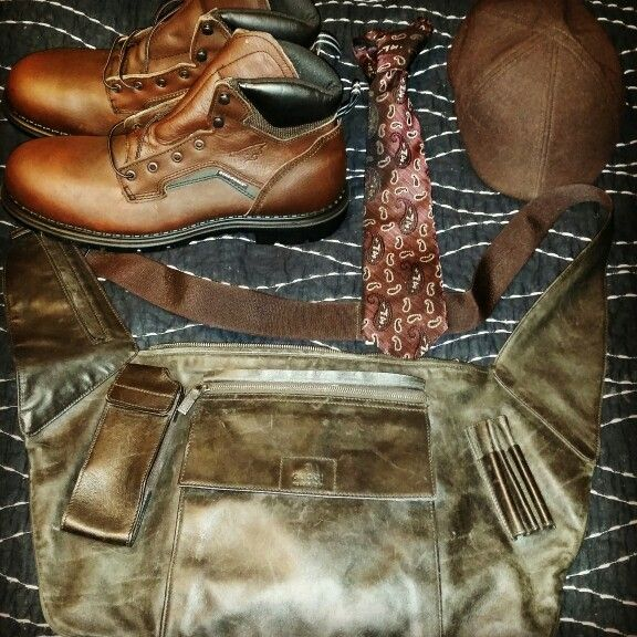 Accessories are essential. Gucci messenger bag, Red Wing shoes, x'Andrini tie, and KB Ethos hat.#mensfashion #dapperman #gentleman #cleveland #216 #accessories