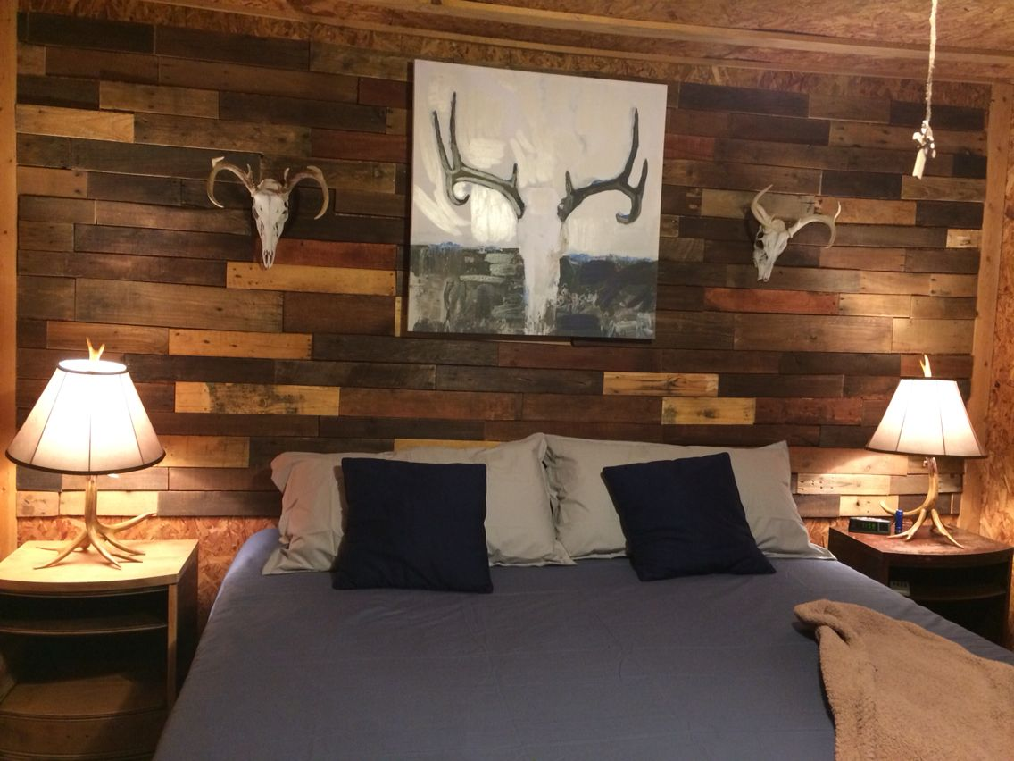 Bedroom Pallet Wall Hunting Camp