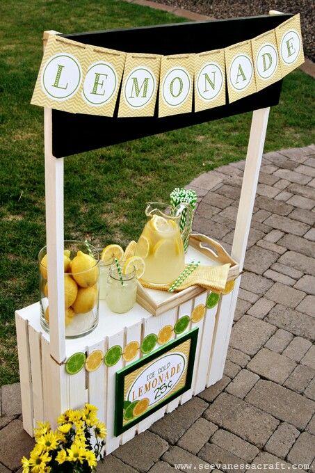 Pingl par heather cagle sur diy pinterest kiosque for Pallet lemonade stand plans