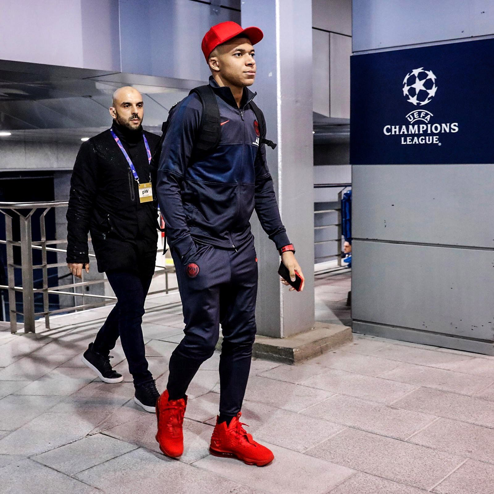 Kylian Mbappe On Twitter Psg Champions League Football Pictures