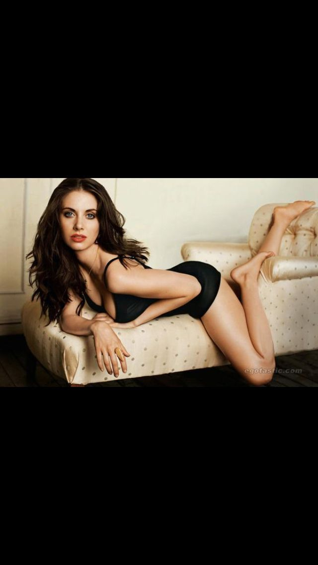 Pin by Hot everything on Hot Brunettes   Alison brie, Celebrities female, Alison becker