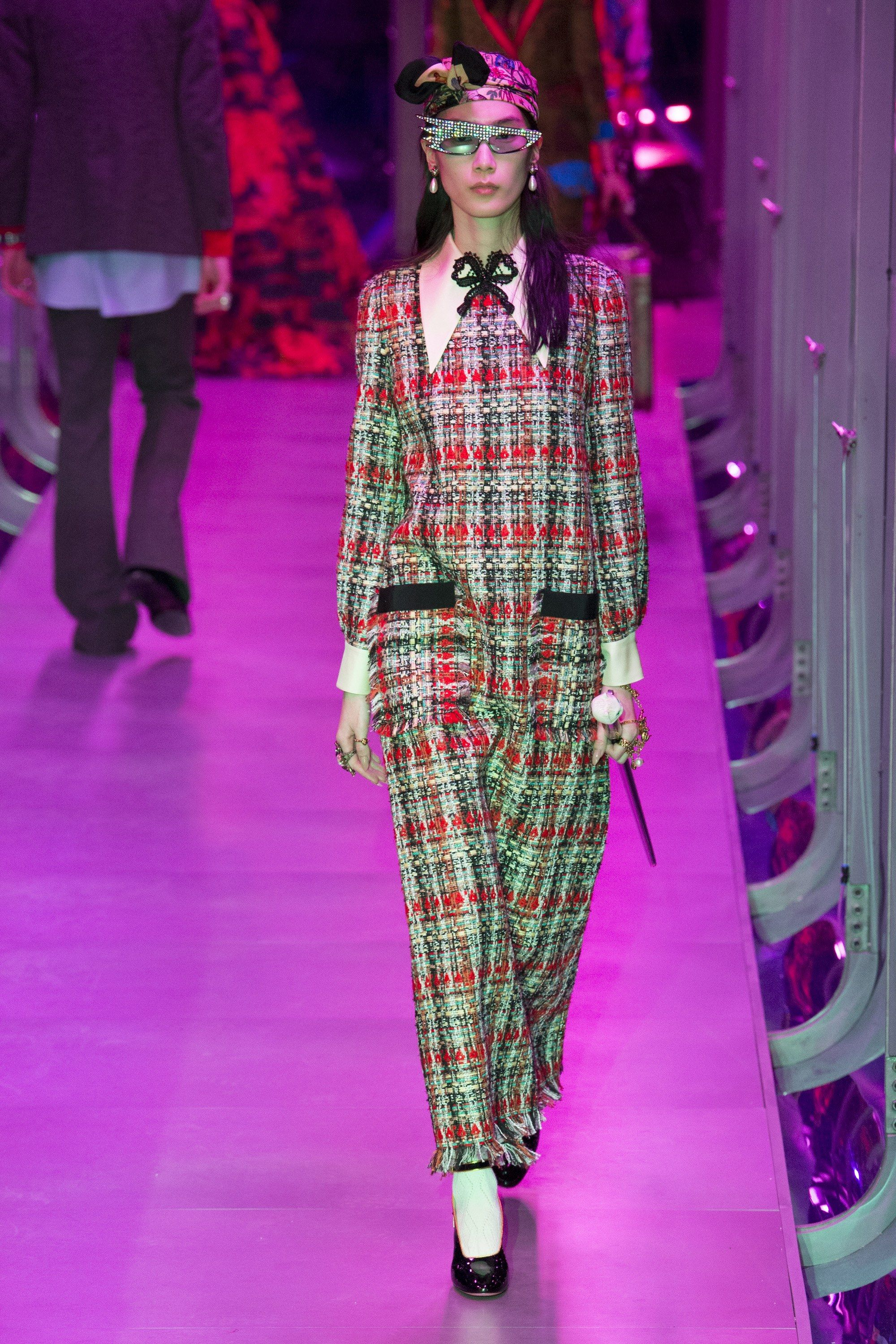 e782102dac6 See the complete Gucci Fall 2017 Ready-to-Wear collection.