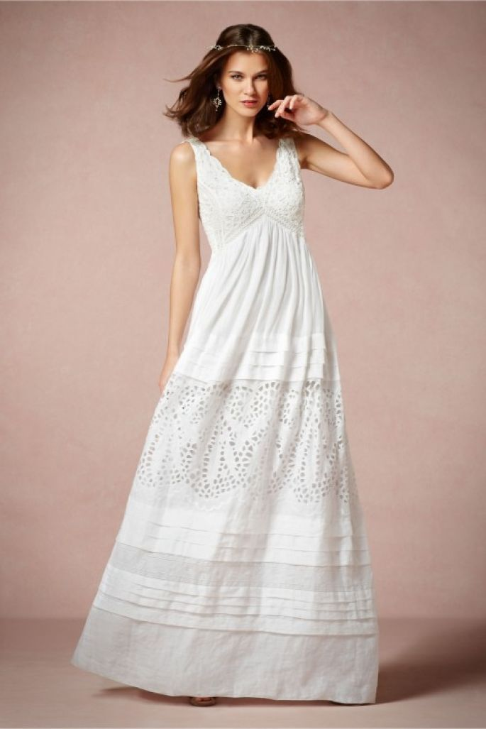 Vestido de novia 2014 con estilo hippie, cuello uve y textura calada ...