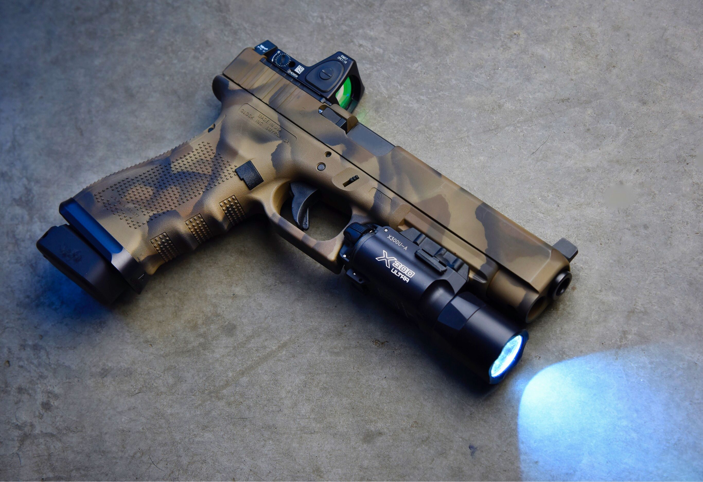 Glock 34 GEN 4 MOS custom Camo, decked out with components