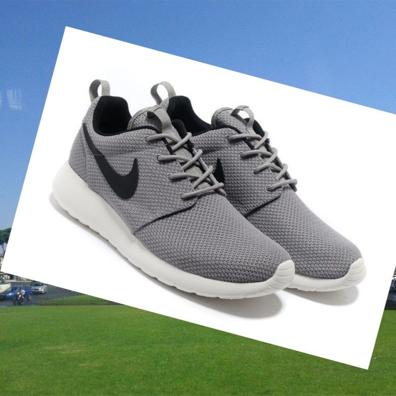 Sconto AAA Nike Roshe Run Uomini Yeezy Grigio Nero, Fashion trainers will  give you special
