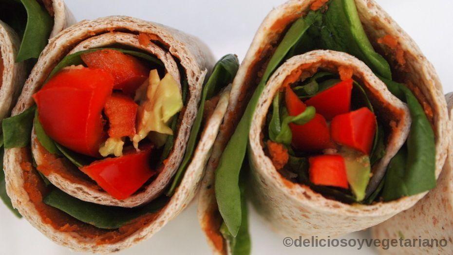 Mini Rollos de Ensalada hechos con tortillas de trigo. ¡Qué originales!