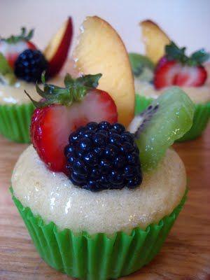 Vegan fruit tart cupcake