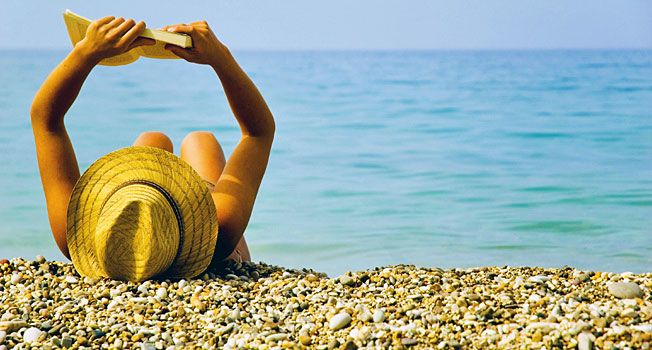 Læs Homers Odysseen, når du ligger og daser på stranden i Grækenland. - Foto: Ant Clausen