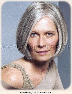 Femme 50 ans Naturally White Silver Grey Hair Le bob