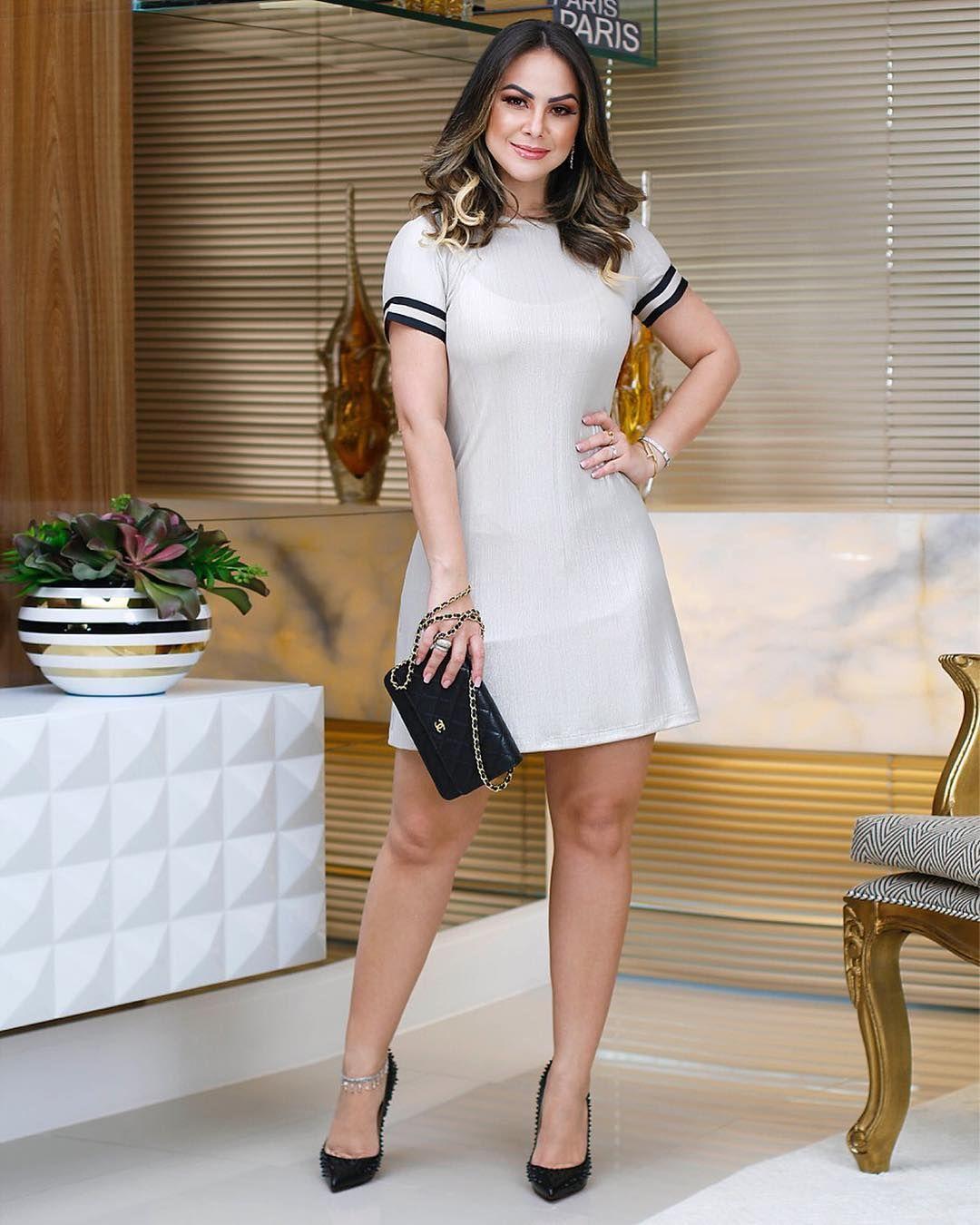 38b6d48c8 Dress trendy é ideal para compor aquela produção musa and modern. 💞✨  {Cores prata and black.} #usemená #ootd ▫️Vendas em atacado através do…