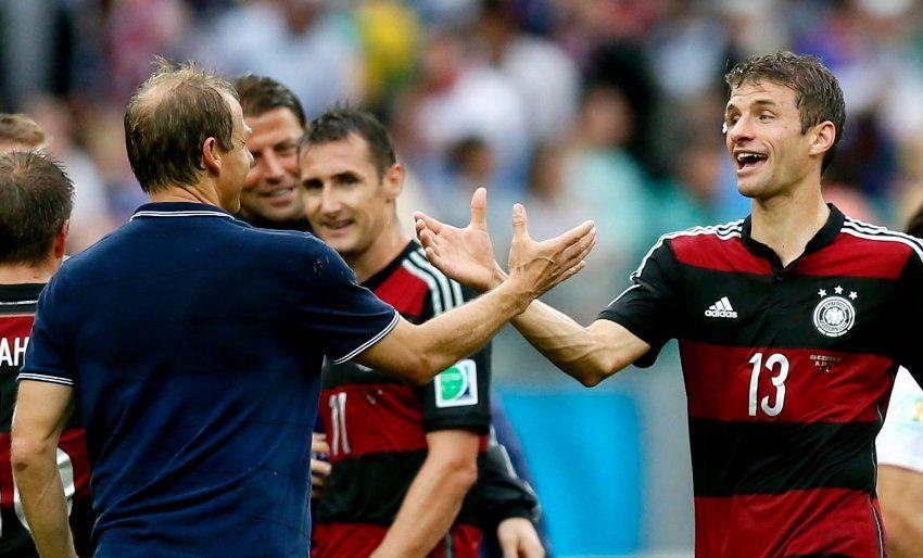 Thomas Müller, ehemals auch ein Spieler von Klinsmann beim FC Bayern, hatte das Siegtor für die deutsche Auswahl erzielt. Klinsmann gelang trotz der Niederlage der Sprung ins Achtelfinale. Dort war jedoch Schluss, nachdem das Team 1:2 gegen Belgien nach Verlängerung unterlag.