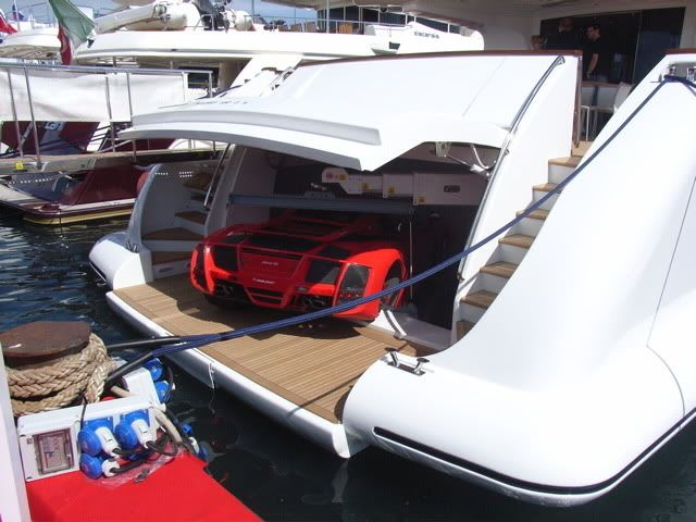 I 39 M On A Boat Really Garages And Driveways