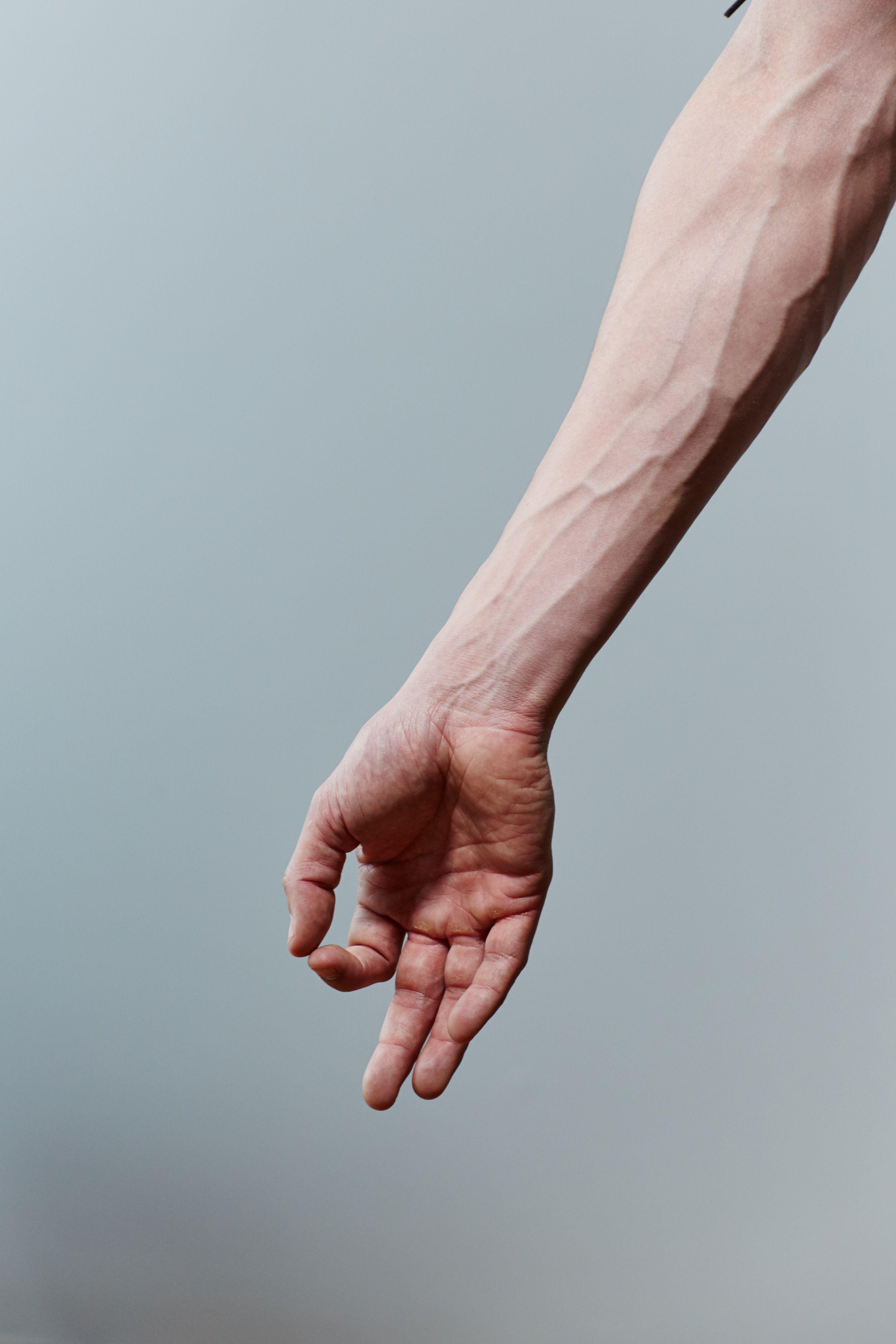 сильные мужские руки фото всего она