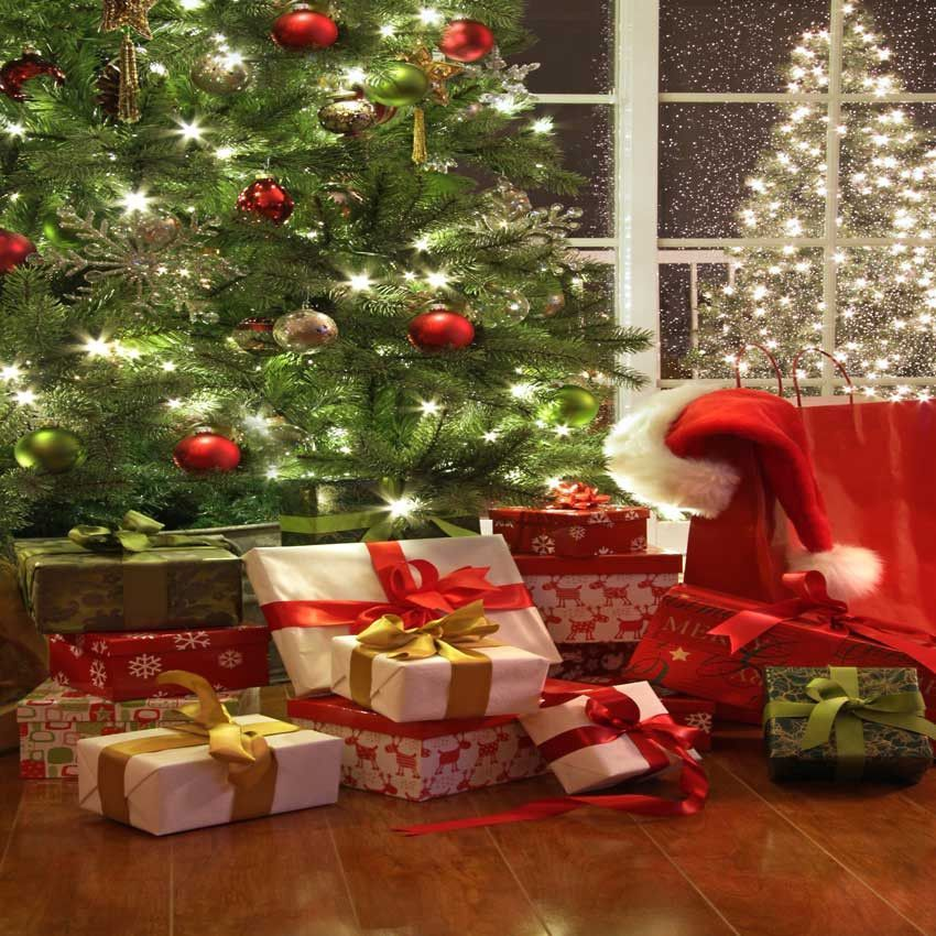 214 Christmas Tree Gifts Backdrop