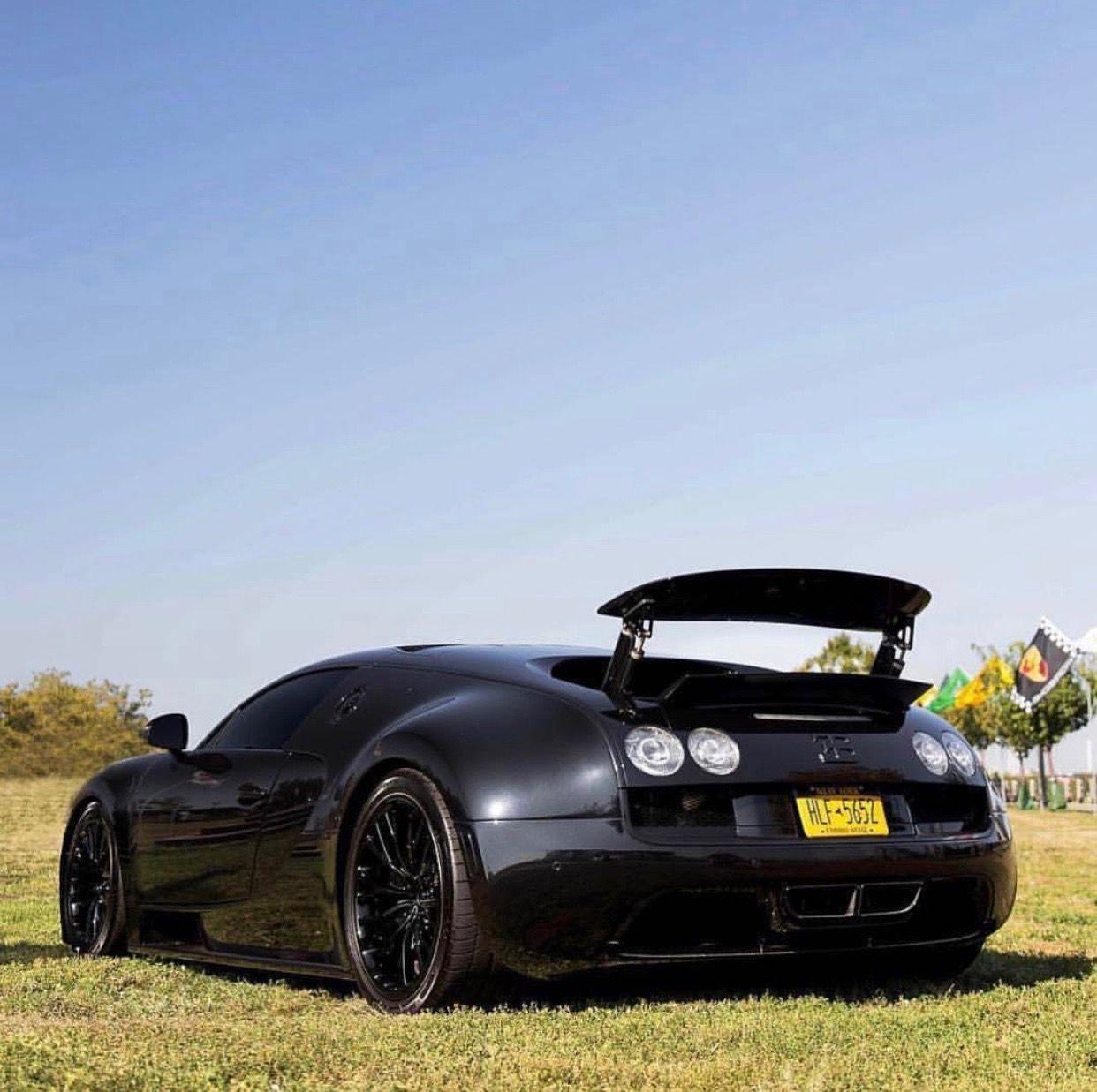 Black Bugatti: Bugatti Veyron Super Sport Made Out Of Black Carbon Fiber