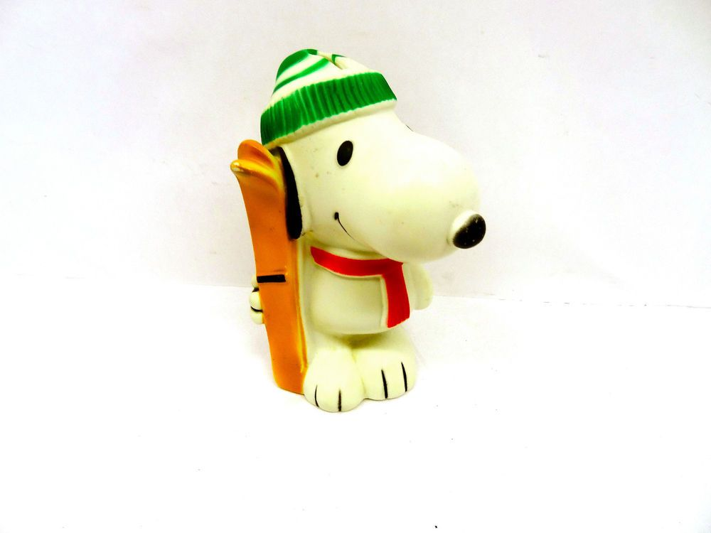 1966 Peanuts Snoopy Doll Vinyl Figurine Toy United Feature Syndicate Skiing Snoopy Figurines Peanuts Snoopy