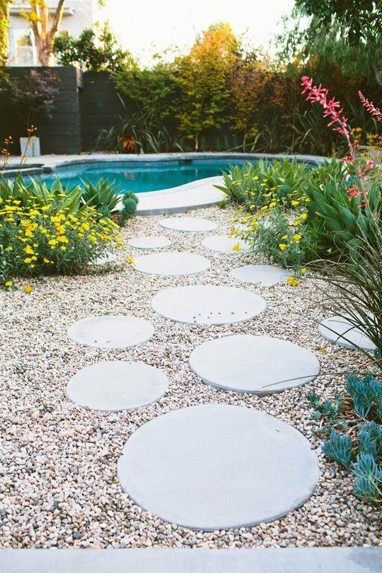 Eye Candy 15 Amazing Backyards To Get You Inspired This Summer Garden Stepping Stones Backyard Garden Design Stepping Stone Walkways