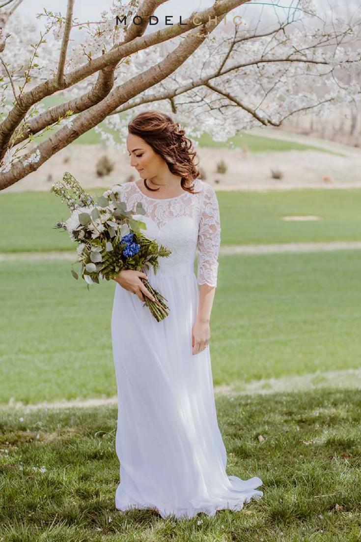 Beautiful summer wedding dress looking stunning here at a recent