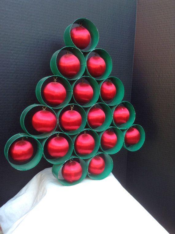 Christmas Tree Folk Christmas Americana Satin por FlyingFigs