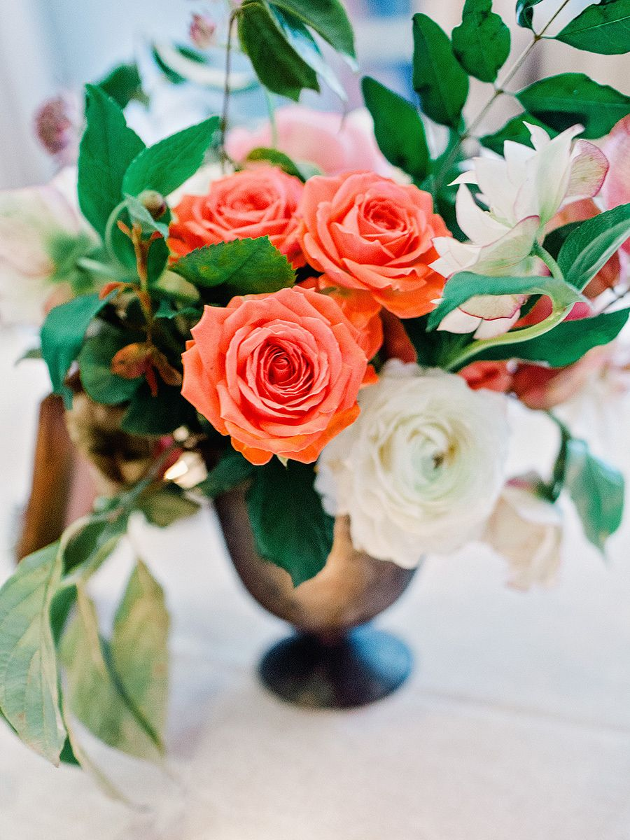 Floral Design: Amy Osaba - http://www.stylemepretty.com/portfolio/amy-osaba-2 Photography: Amy Arrington Photography - amyarrington.com   Read More on SMP: http://www.stylemepretty.com/2016/07/19/this-southern-wedding-is-a-foodie-lovers-dream/