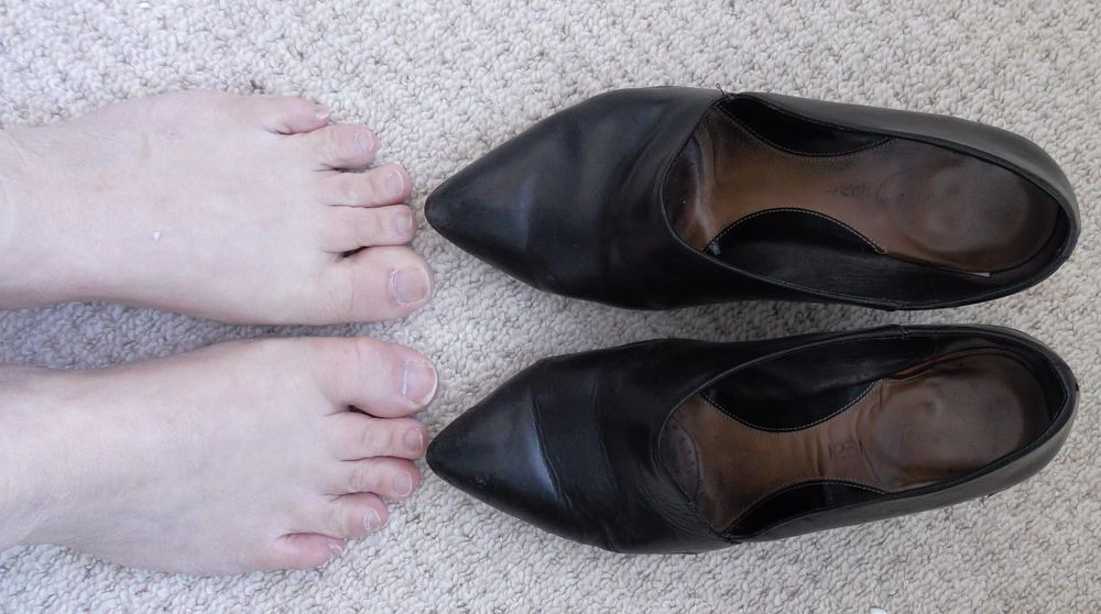 Very Well Worn Black Leather High Heel Court Shoe Clarks